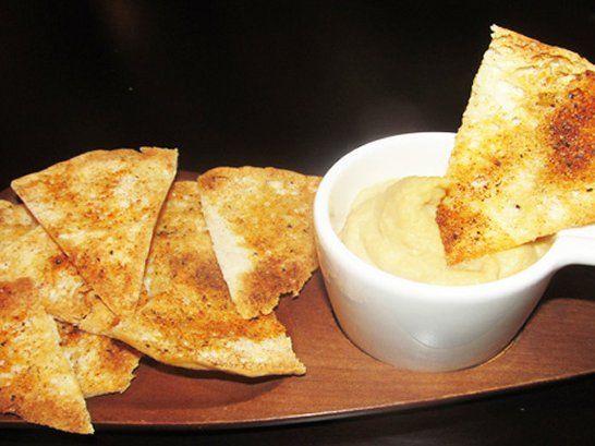 Chips de Pita y Hummus Caseros - Que Rica Vida