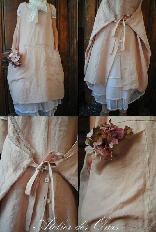 Robe tablier rose en lin, jupon en organdi blanc Les Ours