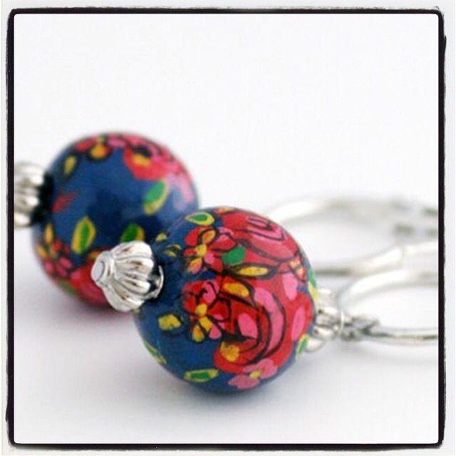 #maei #earrings #handpainted on #wood #ColorYourLife #accessories #bohemian #ibizastyle #bohostyle #fashion #earcandy #fashionblogger #womenstyle #instafashion #womenswear #blue #flowers #colorful #oorbellen #mode #modebloggers #kleurrijk #accessoires #styleblog #styleblogger