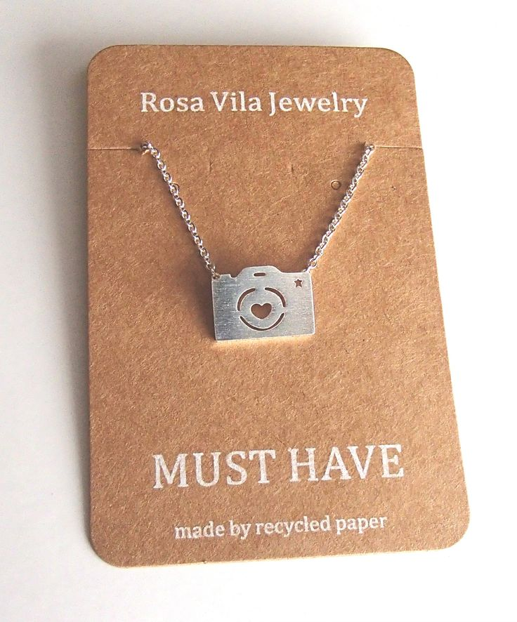 Cute Camera Necklace for Photography Lovers and Enthusiasts Camera Shaped Pendant Necklace - Rosa Vila Jewelry  - 1