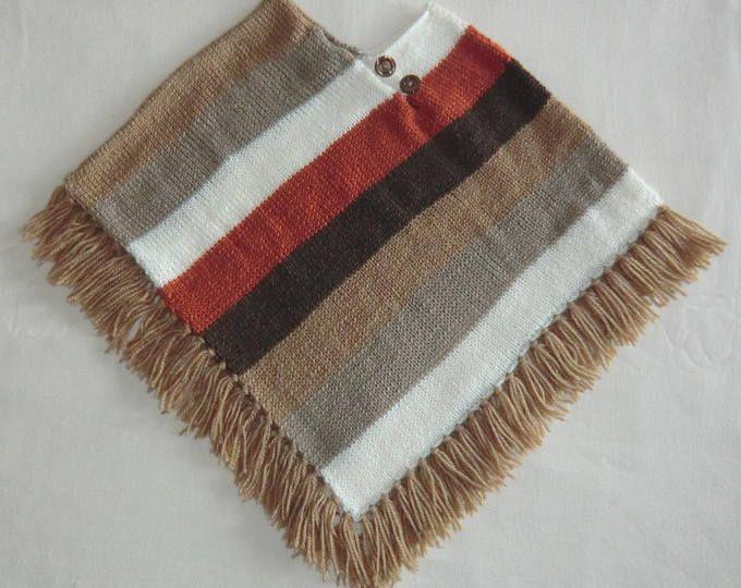 Poncho à franges - En laine - Coloris dégradé beige marron - Enfant ou bébé Fille ou Garçon - Taille 24 à 36 mois - Tricoté à la main