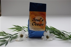 SOUL'S OCEAN    Bath Salts (750 gr.)    Solar Salt with the purest essential oils of Lemongrass and seaweed.    Grounding and has been known to facilitate visuals during meditation    Package of 750 gr.    Produced in Canada