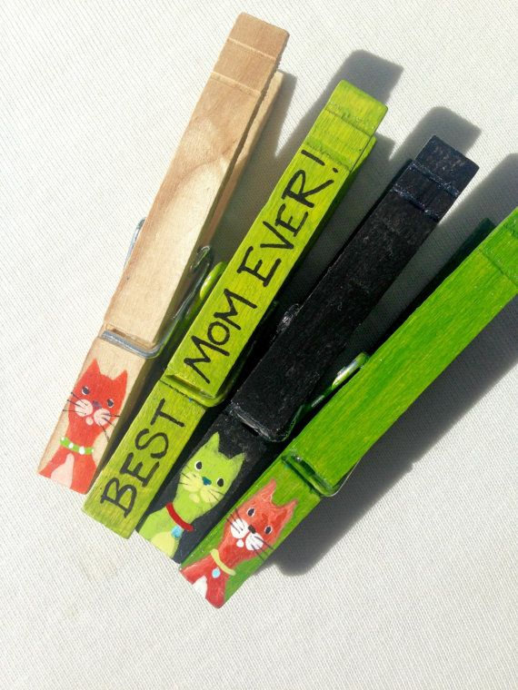 These would make a great one-of-a-kind special gift for your Mom, on Mothers Day or any day. HERE ARE JUST SOME OF THE WAYS WE LIKE TO USE THEM: *hang childrens artwork, holiday cards, or photos on a ribbon. *Organize your calendar or desk area....great for keeping track of bills! *Clip a gift card onto a wrapped package. *Seal an opened chip bag. *Clip onto a place card at a dinner setting. *Hand out clipped to party favor bags...the possibilities are endless! This is a set of 4…