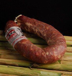 Carne di suino 70%, carne di cinghiale 30%, sale, spezie e arom