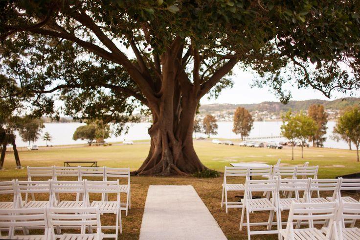 Awaba House, NSW wedding ceremony. www.somethingbluephotography.com.au