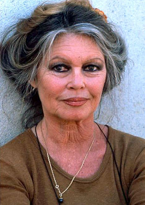 Brigitte Bardot basically exactly how I want to look when i'm her age.  what a beautiful woman!
