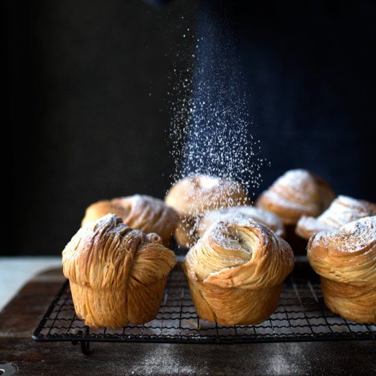 How to make zero folding, no chilling, flaky and shattering cruffin with a pasta machine.
