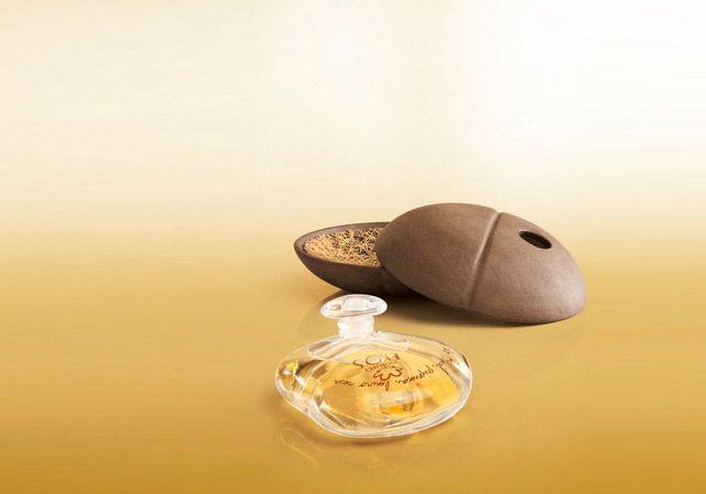 Parfum Perfume do Brasil Priprioca Ekos é feito com óleos essenciais 100% brasileiros, obtidos de forma sustentável e inéditos na perfumaria mundial, usando o ativo priprioca.