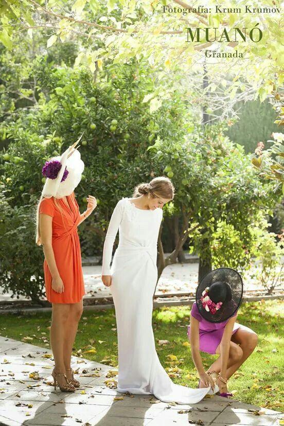 Invitada boda Muanó elegante. Wedding guest. Fotografía krum krumov