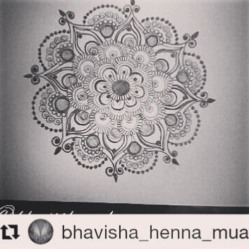 #follow@hennafamily #hennafamily #Repost @bhavisha_henna_mua  Good evening followers! Hope you're all enjoying the weekend!! So time to share a Mandela that I have worked on using a mix of pen and pencil super cute I love it!  You know the drill...If you like what you see like comment follow for more…