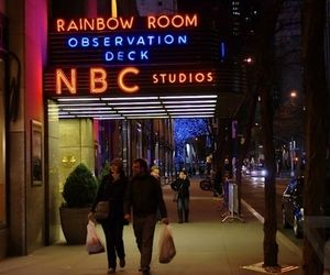 Tomorrow night, NBC will be testing out a new kind of advertising, blending television, social media and improv comedy, Variety reports. The plan is to run a pair of live ads during Thursday night's Late Night with Jimmy Fallon.