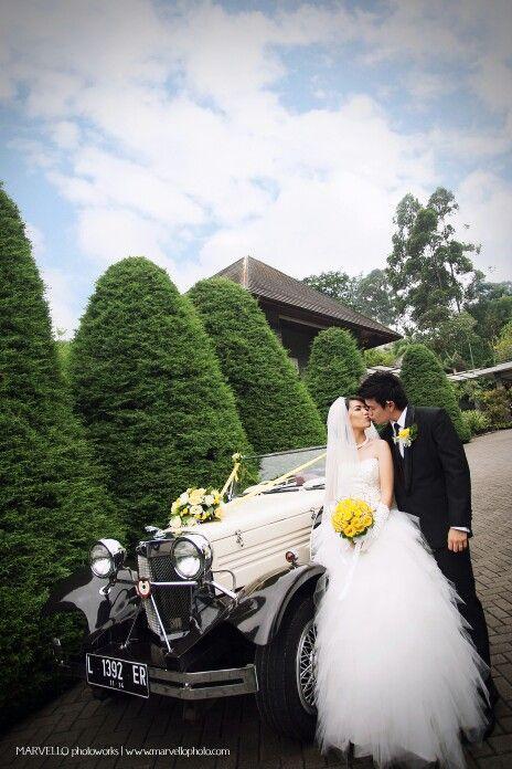 #kiss #wedding #bride #groom #vintage