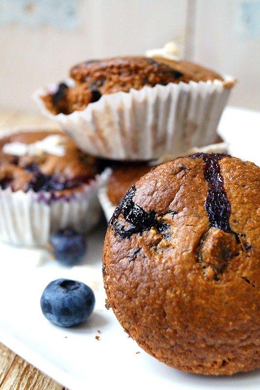 glutenvrije havermout muffins zonder suiker, met bosbessen of frambozen