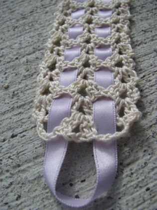 Floralshowers | Vintage Crochet & Ribbon Bookmark Pattern | FloralShowers Craft Blog