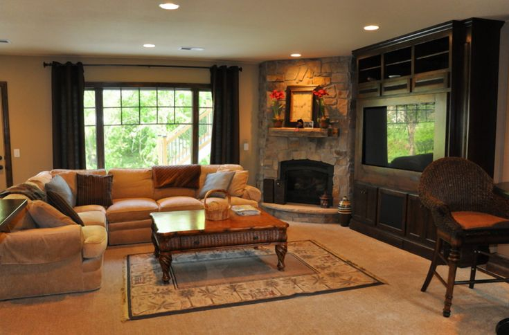 Family room with corner fireplace narrow family room for Small family room design