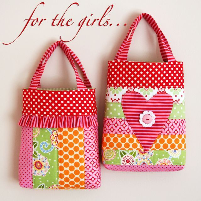 Google Image Result for http://thejanellewindcollection.typepad.com/photos/bag_patterns/for-the-girls-photo.jpg