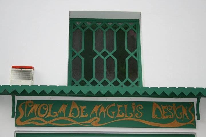PAOLA DE ANGELIS DESIGN SHOWROOM https://www.facebook.com/PaolaDeAngelisDesignShowroom/