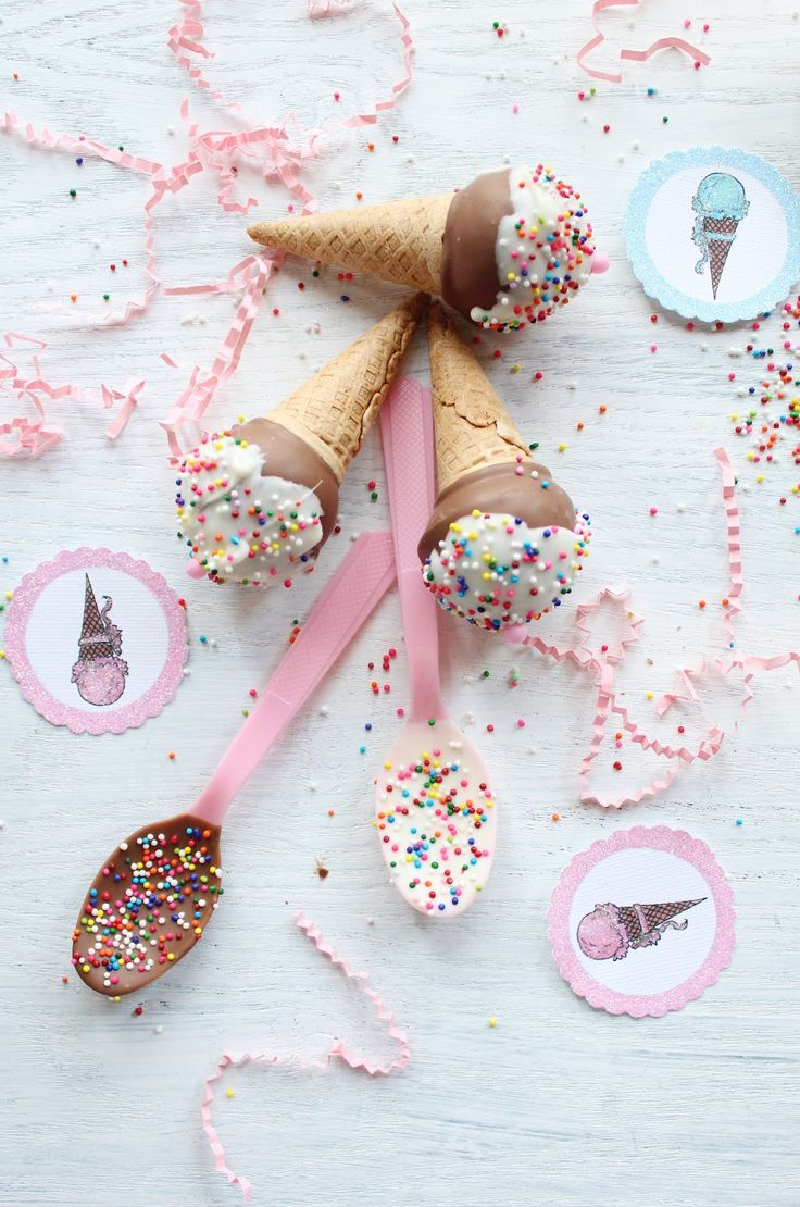 How to make ice-cream cone cake pops (Icing Designs).