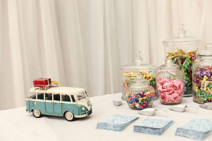 Beach meets berg, sweet table. Jars. Volksie. Fun!