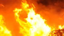 Extra Alarm Fire Spreads to Several Homes - http://lincolnreport.com/archives/581005
