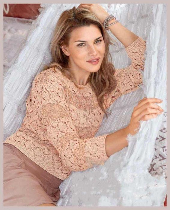 Озорные петельки: Ажурный пуловер двух оттенков розового