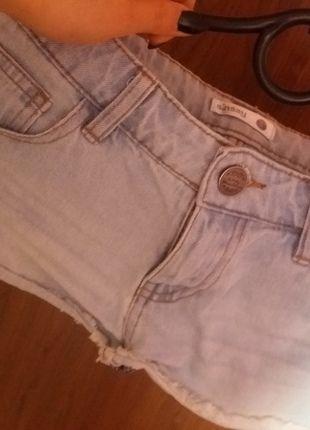Kup mój przedmiot na #vintedpl http://www.vinted.pl/damska-odziez/dzinsy/12572141-spodenki-jeansowe-sinsay-jasne