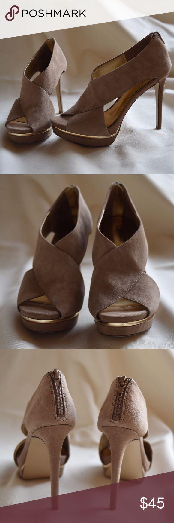 "Carlos Santana Suede Gold Platform Heels Carlos by Carlos Santana Heels  NEW without the Box. Blends nicely into the leg.  Gold platform accent.  Peep toe. Zipper back. Gold Sole. 2 1/2"" heel. 1/2"" platform. Size 6. Carlos Santana Shoes Heels"