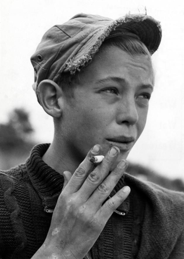 Cool style  https://flic.kr/p/bbEaqx  Smoking boy at a playground Nationaal Archief/Spaarnestad Photo/Van Eijk   The Netherlands, Maastricht, 1950.