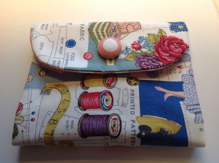 Sewing needle case. Open out design rather than one that annoyingly pins itself shut ...
