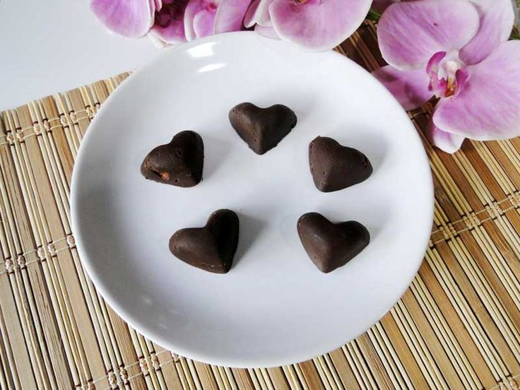 bombones de chocolate y fresa sin azúcar