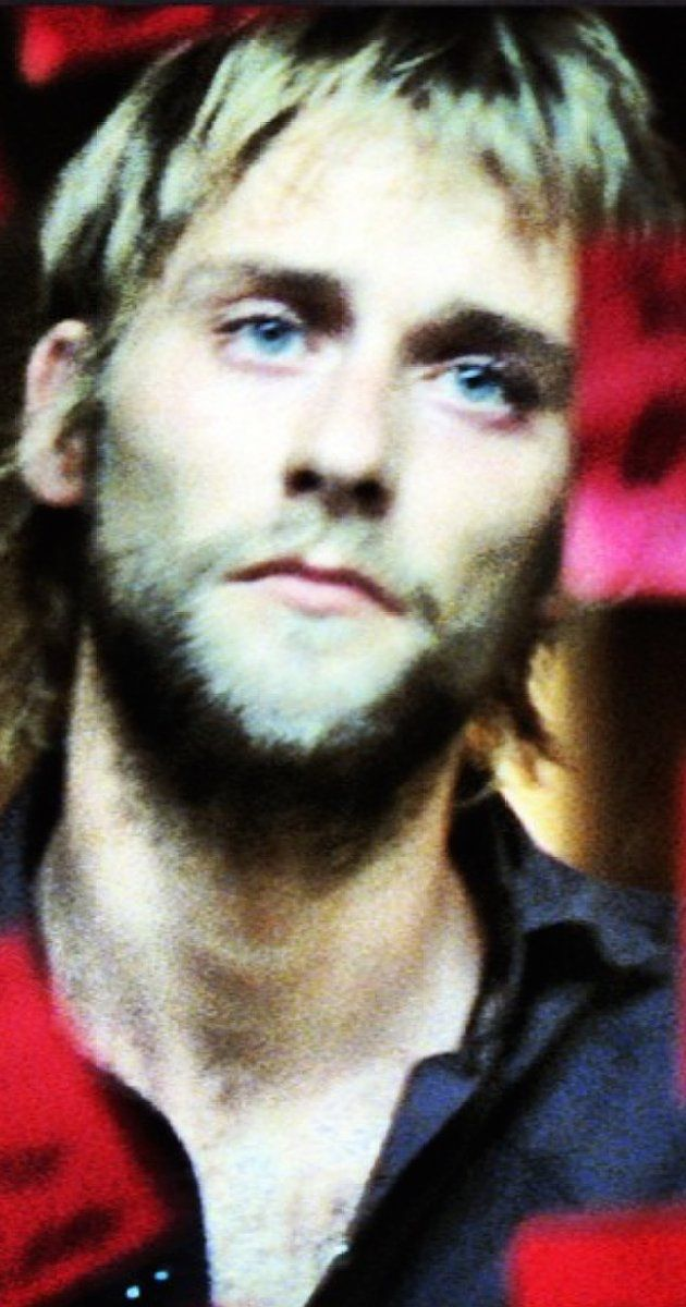 Joe Anderson, Actor: Across the Universe. Joe Anderson was born on March 26, 1982 in England. He is an actor, known for Across the Universe (2007), The Grey (2011) and The Crazies (2010). He is married to Elle.