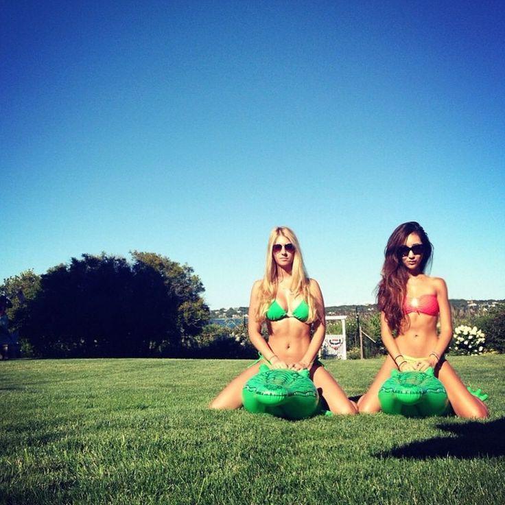 Ridin dirty #rideofdie #hamptons #summer #onajourney #bikinilife #hotmis #thearmyof2