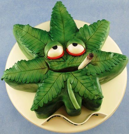 Cannabis leaf novelty cake