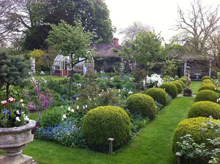 51 best images about formal gardens on Pinterest | Gardens ...