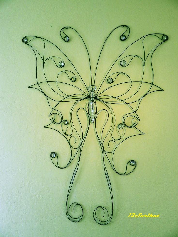 Motýl - černé drátování doplněné skleněnými křišťály
