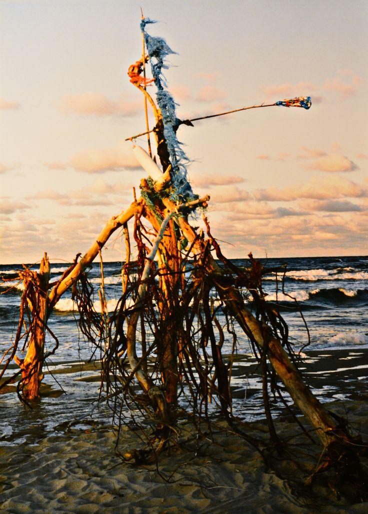 "Yury Ermolenko, ""BLACK DRAGON"" (Land art project ""Baltic - Hel""), 2003, Hel Peninsula, Baltic Sea, Poland #YuryErmolenko #юрийермоленко #ЮрийЕрмоленко #yuryermolenko #юрiйєрмоленко #ЮрiйЄрмоленко #юрийермоленкохудожник #landart #balticsea #sea #sky #amazing #RapanStudio #photo #photography #metaphysics #metaphysical #philosophy #installation #лэндарт #инсталляция #art #contemporaryart #modernart #magic #texture #лэндарт #poland #hel #helpeninsula #artproject #искусство #creative"