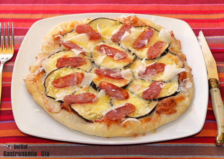 Pizza de berenjena y fuet                                                       …