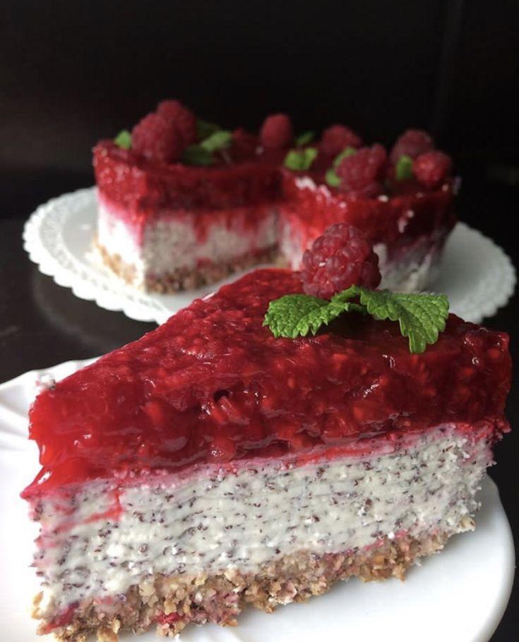 Hezkou neděli, mám pro vás úžasnej recept na chuťově vynikající dort, kterej je raz dva hotovej. Myslím, že takový dort udělat někomu k narozeninám ...
