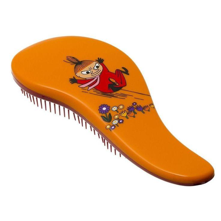 LovelyorangeLittle Mydetangling brush is the best at removing knots and tanglessmoothlyand gently without damaging your hair!Ihastuttava oranssi Pikku Myytakkuharja on hellävaraisin harja poistamaan pahimmatkin takut ja sotkut vaurioittamatta hiuksiasi!