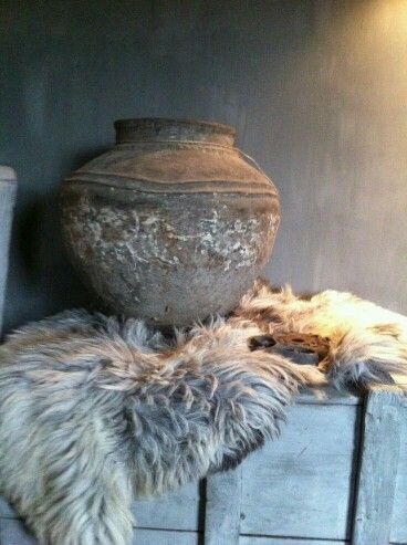 Raw texture, pottery, fur