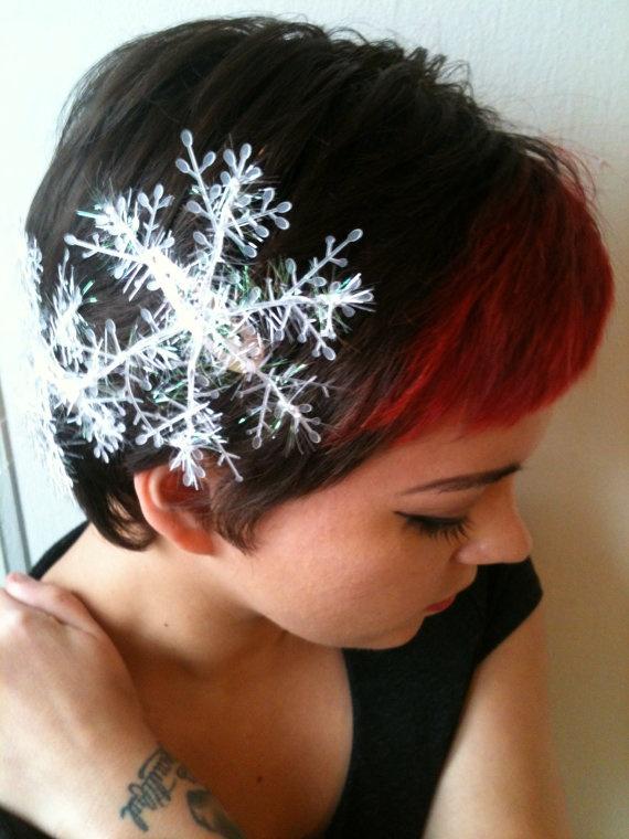 Snowflake Clips. $5.00, via Etsy.