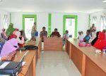 19 pelajar terima beasiswa penuh tahfidz dari Baitul Mal Aceh  BANDA ACEH (Arrahmah.com )  Sebanyak 19 orang putra-putri Aceh menerima beasiswa penuh tahfidz al Quran dari Baitul Mal Aceh (BMA). Penyaluran beasiswa ini dimulai dengan penandatangan komitmen dengan wali santri di Aula Baitul Mal Aceh Kamis (20/07/2017).  Kepala Sekretariat Baitul Mal Aceh T Sulaiman SE mengatakan program ini merupakan program rutin setiap tahunnya yang dilaksanakan Baitul Mal Aceh. Program ini dibuat untuk…
