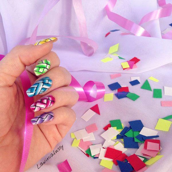 La Truccatrice di Unghie: dalle unghie alla moda, i disegni smaltati di Lavinia #unghie #nails #nailpolish #nailart #nailartist #nailaddict  #nails #geometric