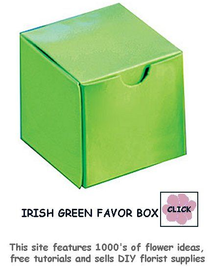 Green favor boxes for your wedding candy, nuts and other small gift favors.