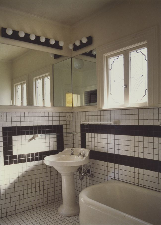 Art deco style bathroom light fixtures redo tiny bathroom - Art deco bathroom lighting fixtures ...