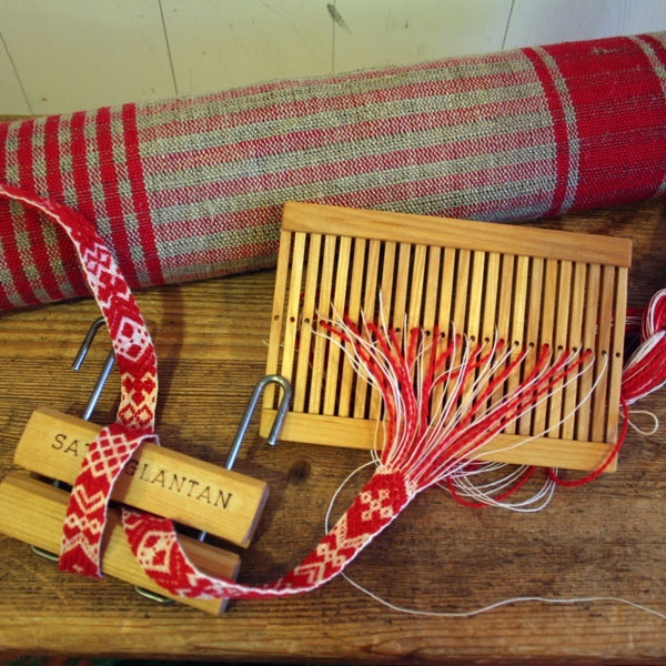 Scandinavian Hand Loom, I saw these in Finland back in the 1980s.