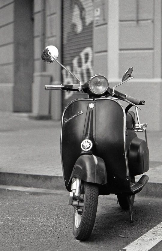14 Best Agus Images On Pinterest Vespas Cars And Motor Scooters
