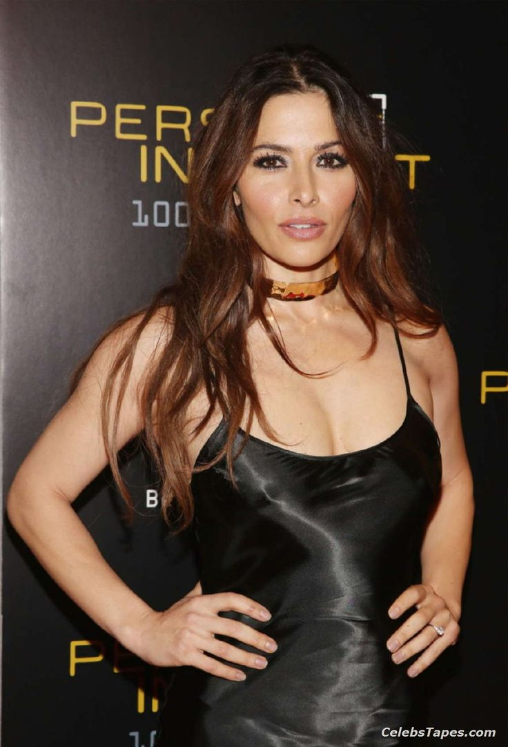 Sarah shahi nude video — photo 5