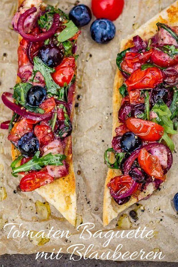 Tomaten Rucola Baguette mit Blaubeeren von der Plancha