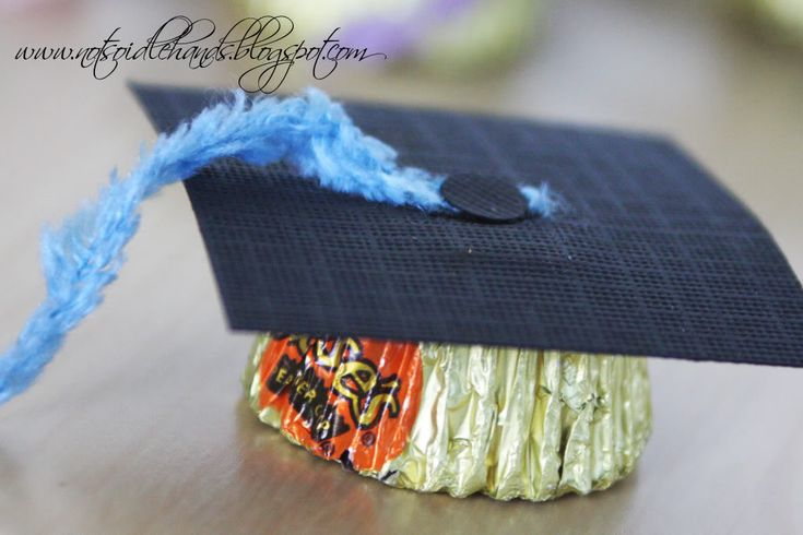 Reese Cup graduation caps! Would have loved these for 5th grade graduation.  I'll try again in 2 years:)